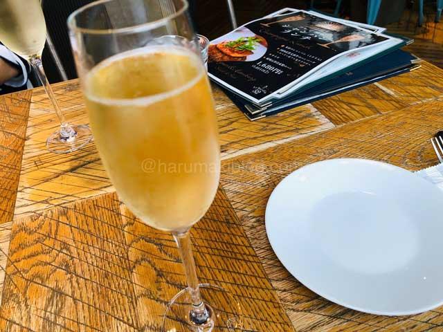 成城石井シャンパンランチ